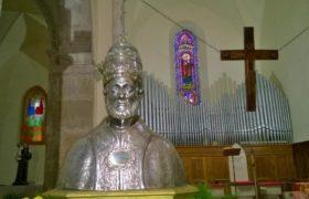 Busto-argenteo-di-San-Sotero-nel-Duomo-di-San-Pietro